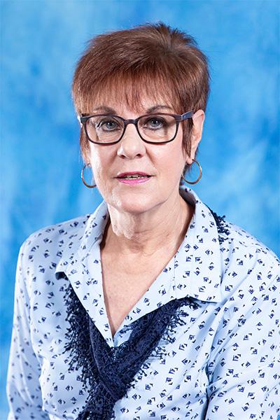 Ms J Homann